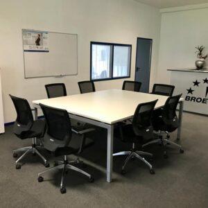 Broecan Konferenztisch 210 x 160 inkl. 8 Stühle